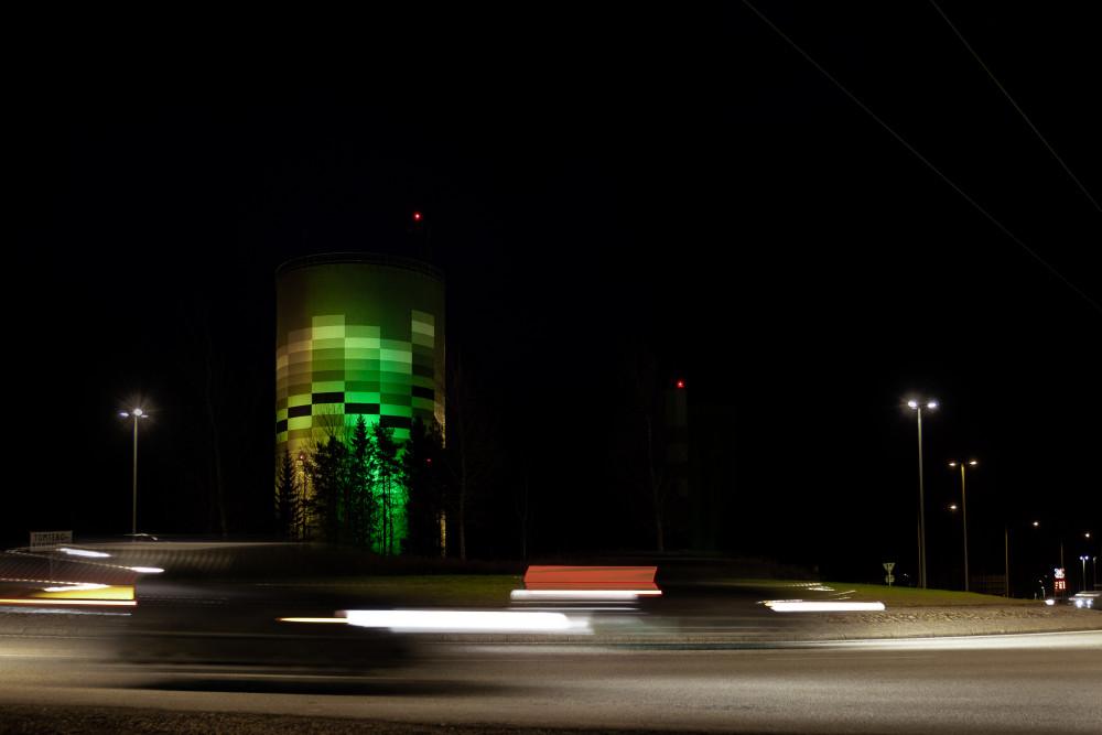 I samband med festivalen Höstljus 6 till 22 november ljussätter Umeå Energi den 42 meter höga fjärrvärmeanläggning Graniten på Ålidhem.  https://t.co/Gffqv1KW9P https://t.co/5N6mH7FpHX