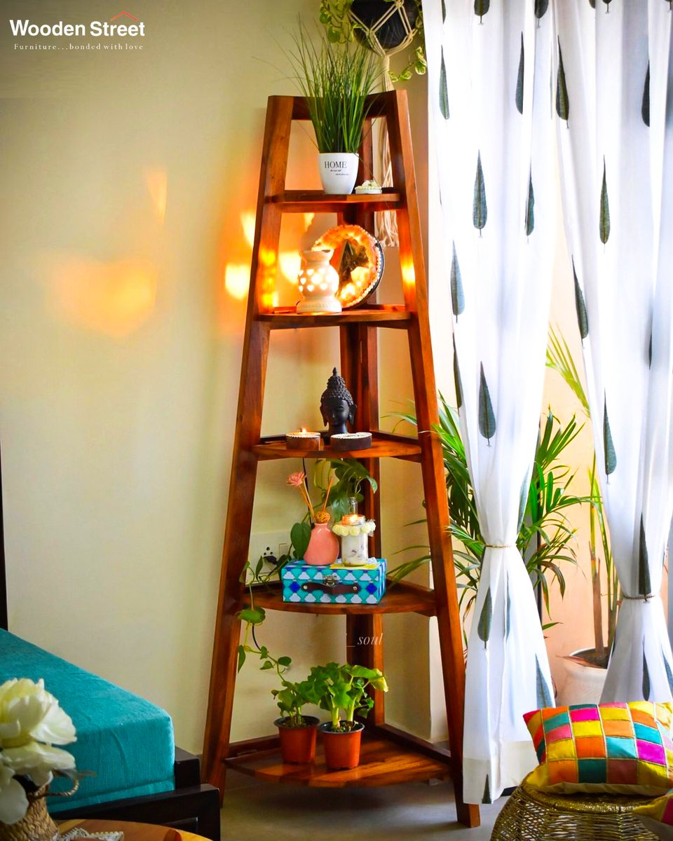Elegant design, offering descending shelves that can hold a variety of things, from books to decorative vases to souvenirs. Shop Now https://t.co/TSnDlZOmoa . . . . #woodenstreet#furniture#furniturebondedwithlove #diwalidecor#colorfulhome https://t.co/tOX7woH07Y