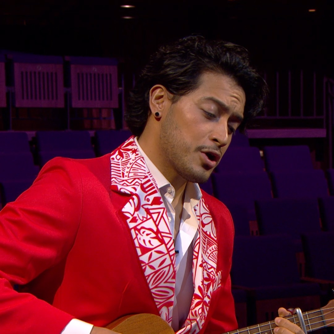 ❤️️ What a stunning performance!  Tenor Filipe Manu performs the Tongan language song 'Efiafi peau ongoi vale', accompanying himself on ukulele.  Stream the full performance:   #OurHouseToYourHouse