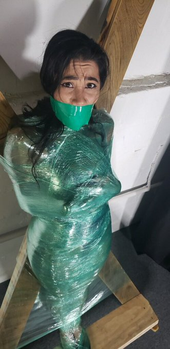 1 pic. A  full day of Bondage for an hr long Kinky Alien Custom and so many  Deaths! Now time to edit