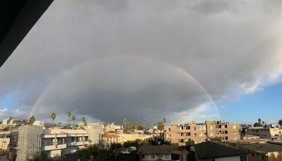 Rainbow over LA https://t.co/zzWXabnL8x