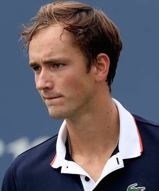 """Similarities btw @DaniilMedwed & @AlexZverev, both 🇷🇺(origin) family names contain only 'e' vowels right handed equal height (198/6'6"""") residence in 🇲🇨 best Slam result: F 0/1 in Slam F lost in 5sets & in the same Slam(USO) 1x @RolexPMasters F won their Masters 🏆s in 2 sets https://t.co/vVHknYNo31"""