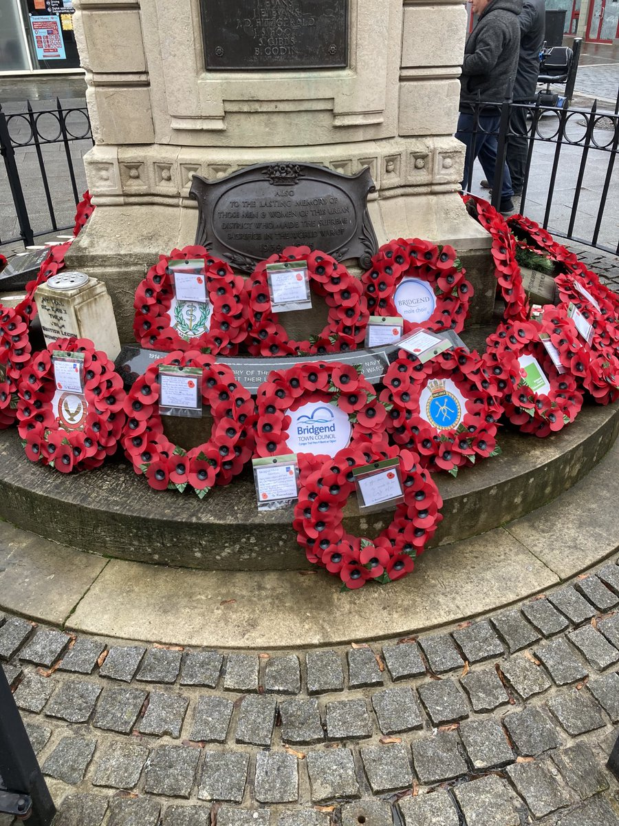 Just placed my wreath at the Bridgend Cenotaph for the last time as MS. Even in the midst of COVID its important to remember. Having been to so many places such as Mametz, Artillery Wood, Ypres and Thiepval I know how emotional today is for so many families. #LestWeForget