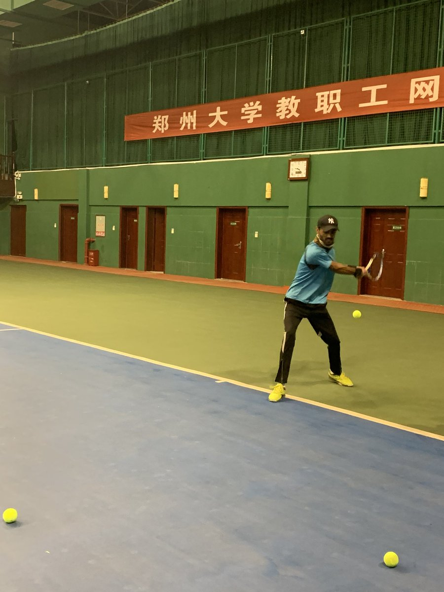 Backhand practice on a roll here.  Our coach is so tough that he put around 70 balls on a row to my backhand. I am not a professional, i am just an amateur participating just in my Uni competitions. 😉Whenever my coach shouts i delivered better backhand😂 #Tennis #ChinaLife https://t.co/bCLgAB7ZXo