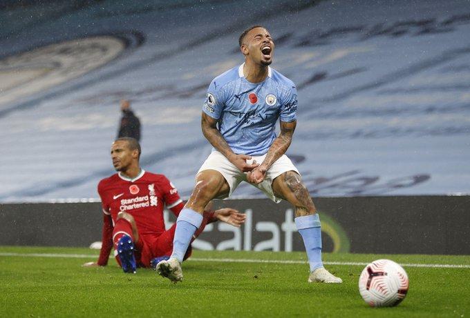 مانشستر سيتي يتعادل مع ليفربول في قمة البريميرليغ والاخير يفرّط في الصدارة