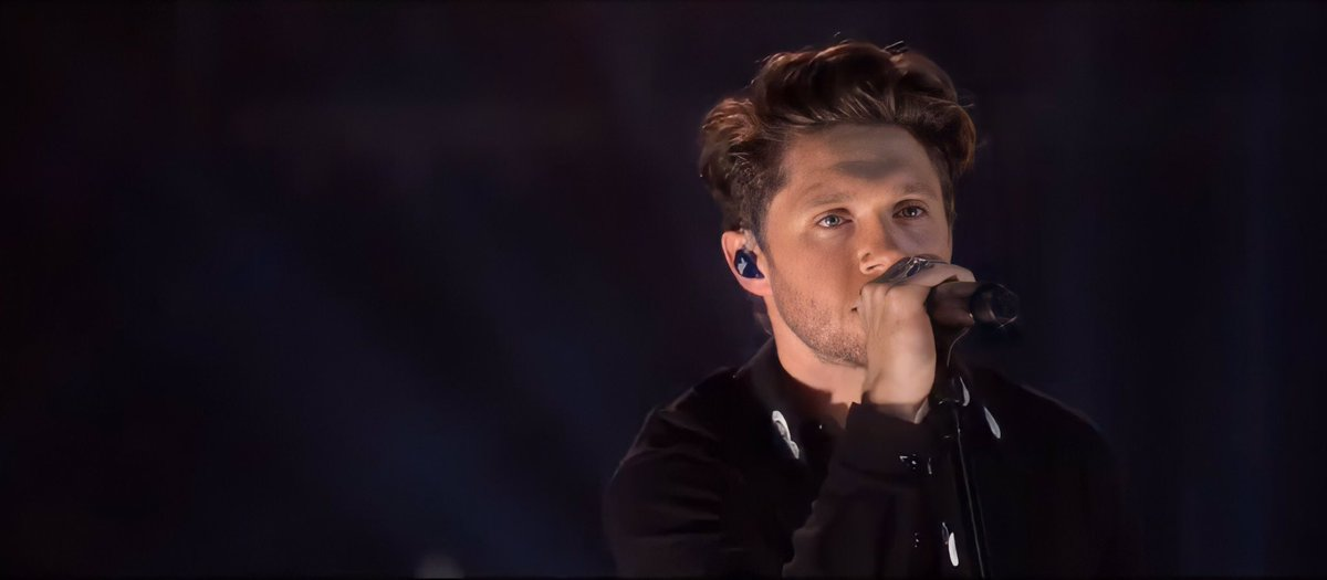@NiallOfficial @WeNeedCrew @RoyalAlbertHall What was the song that you enjoyed singing the most yesterday?