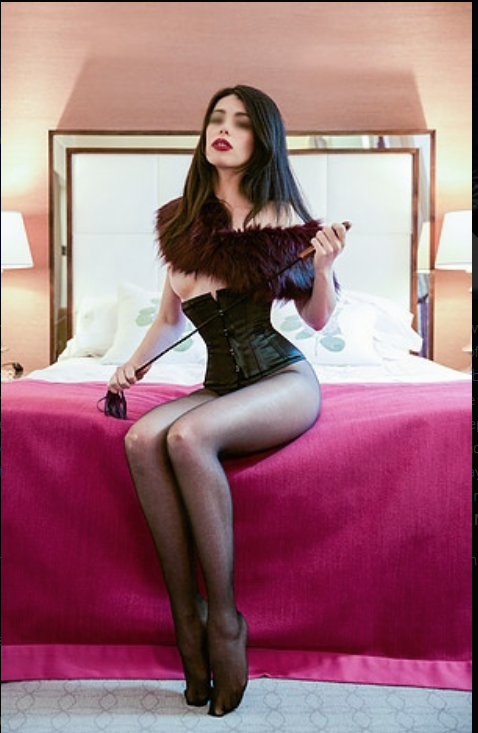 @MissTiaraOrchid #latexdominatrix #latexsuit #latexdress #STRAP #TightPants #tightskirt #tightass #Booty_Licious