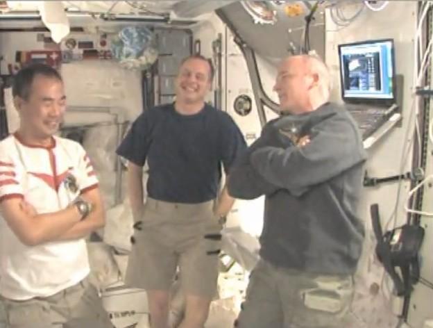 宇宙飛行士の野口さんは、人類史上宇宙で初めてアニメのコスプレをした人!
