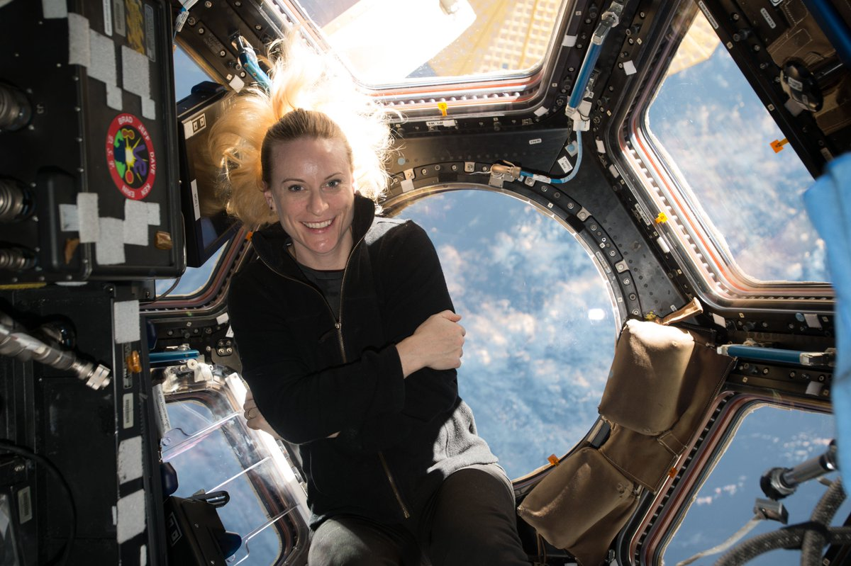 NASA astronaut Kate Rubins is onboard the @Space_Station and is monitoring the Crew Dragon spacecraft as it approaches.  When the four Crew-1 astronauts arrive, it'll be the first time the space station's long duration expedition crew size will increase from 6 to 7 crew members. https://t.co/TQu7p1lqMy