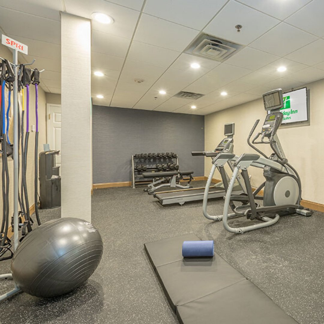 Want to really impress your personal trainer? Keep up with your workouts while you're away in our onsite gym! Follow the link to learn more about our property and book your visit.  #workout #fitness #stayinshape