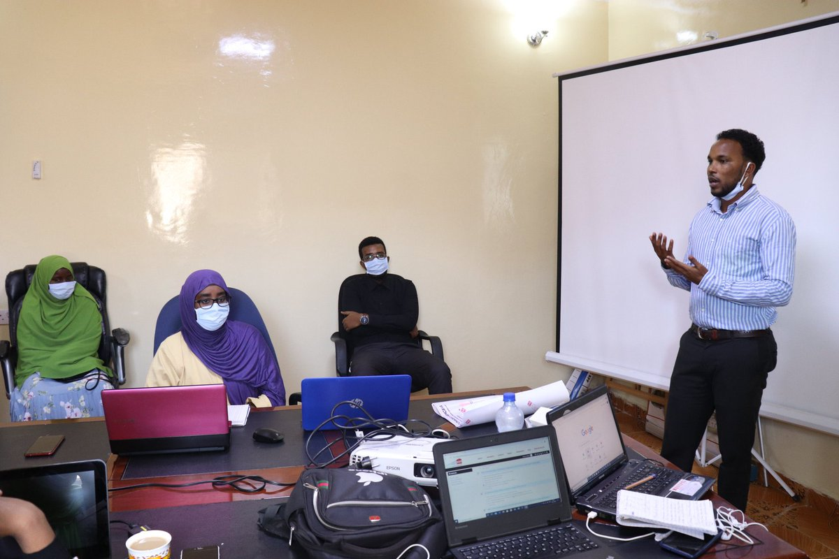 Consultation meeting on the project launching plan and the expected outcomes of the COVID-19 response project held in #Taakulo office in Hargeisa Target school principals, HPs, Temp. checkers and staff participated.   #planinternational  @PlanUK  @decappeal #decappeal