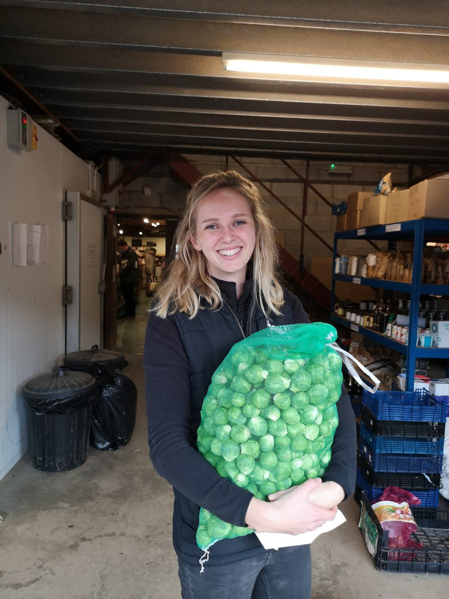 Lovely Pip from @Peterleyfarm comes up trumps again 😍 Thank you so much for today's wonderful donation of brussels, carrots and broccoli ❤️ #community #TogetherWeCan