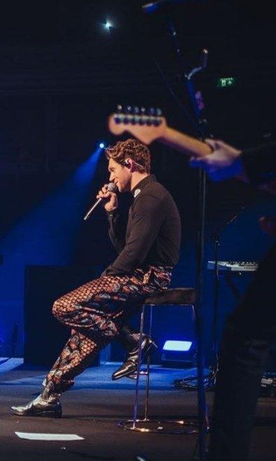 ma solo a me le icone sui pantaloni sembravano l'album di Harry Fine Line? 😂 #NiallLiveAtRoyalAlbertHall #NiallLiveAtRAH #NiallLiveAtAlbertHall #NiallHoranIsLoved #NiallHoran