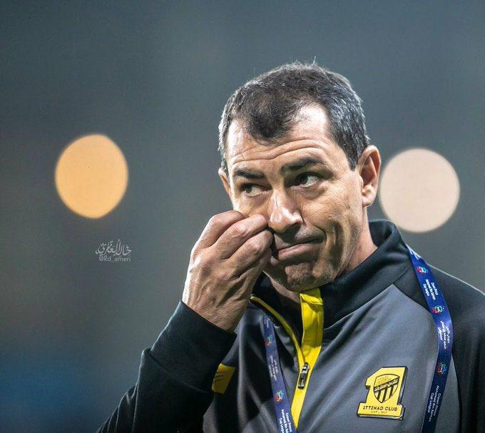 هل انت مع او ضد إقالة فابيو كاريلي ؟