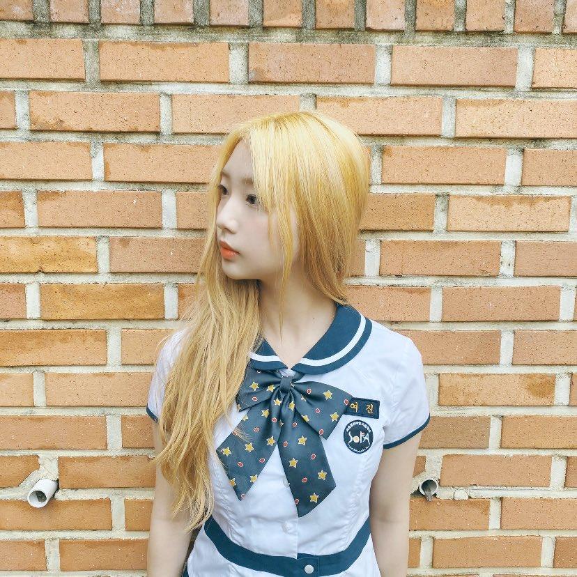 Yeojin fancafe update ☾ #HappyYeojinDay 🐸
