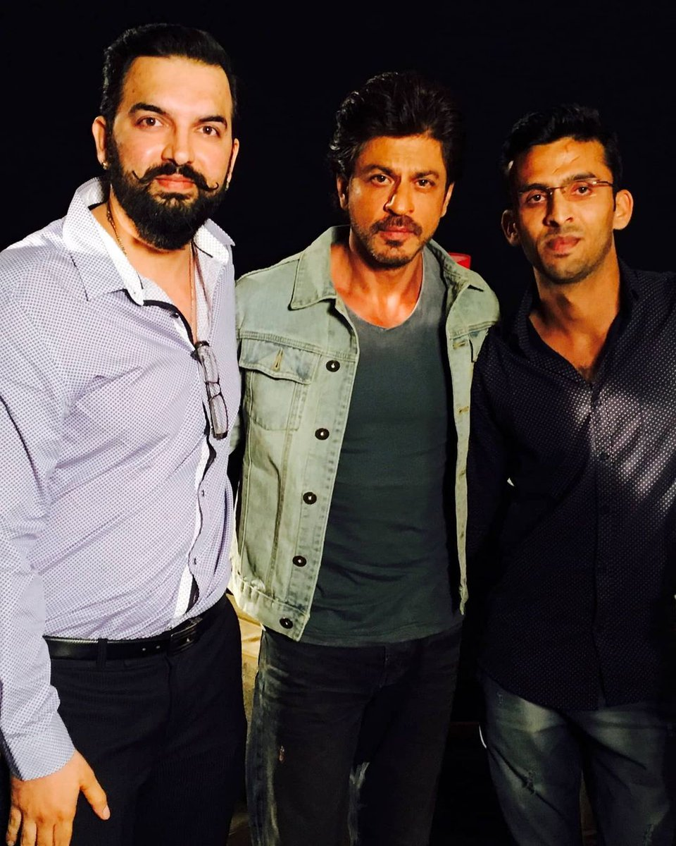 Birthday wishes to one of India's biggest entertainers @iamsrk Eagerly waiting for your next #SRK #HappyBirthdayShahRukhKhan #HBDSRK  King Khan with @iamjasrandhawa   ▶️