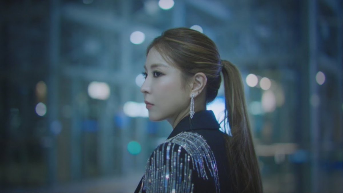 "allkpop on Twitter: ""BoA lets her hair fly in '202020' teaser video  https://t.co/EEmqSSGprW… """