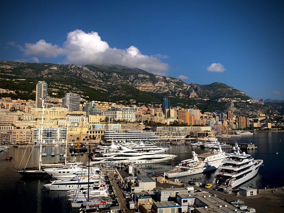 📸 Bonne journée à tous les supporters monégasques !  🇲🇨 @AS_Monaco  🗓 11 novembre 2020 l ⏱ 11:00