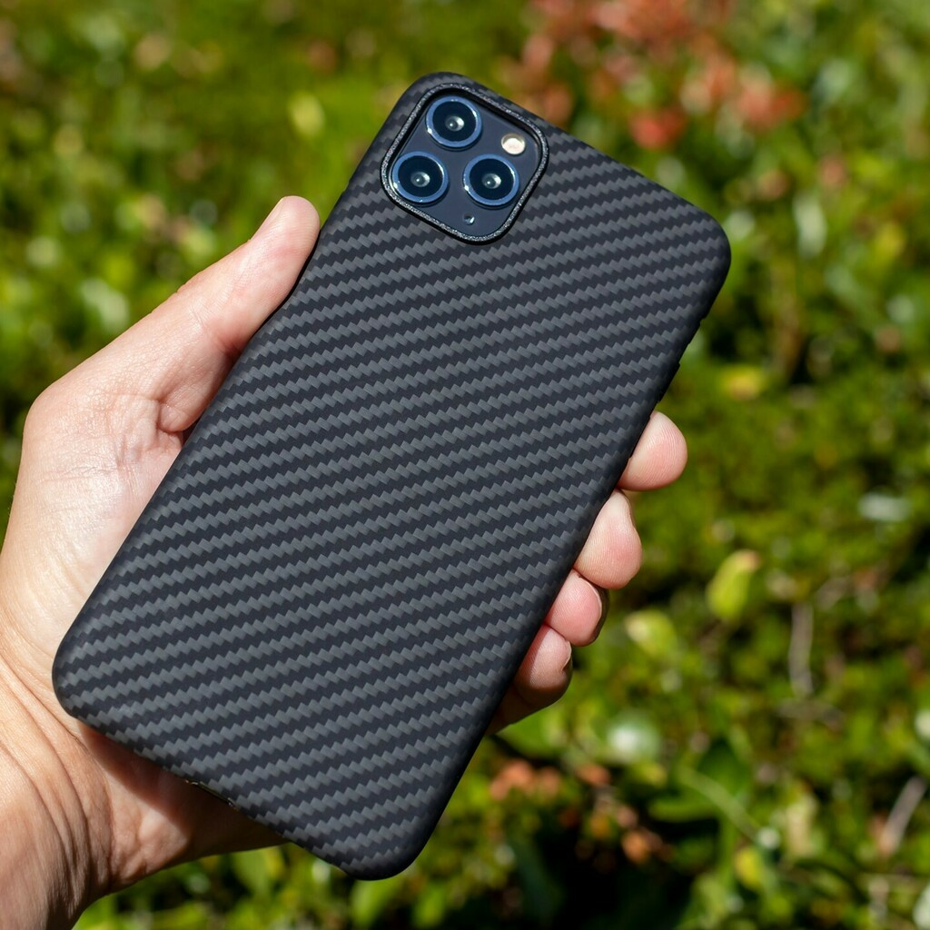Those leaves may be turning brown 🍂  here in Florida but that case doesn't change a bit! 🛡  The finish of our AraMag case looks just as good as the day you slap it on your phone for the life of your device. Just another reason these cases are so popu… https://t.co/8C7txQVb3F https://t.co/TbaZzLrpOX