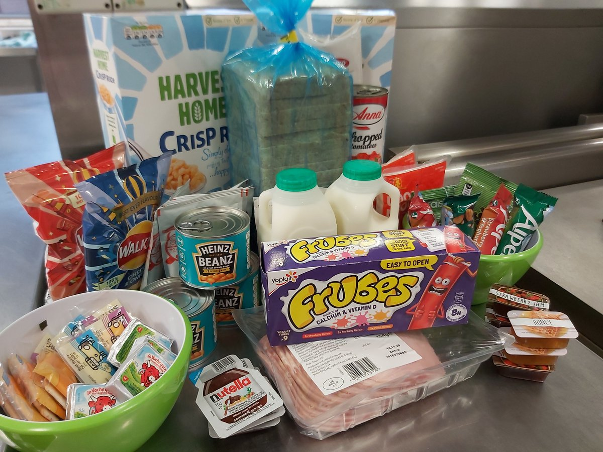 From today, food parcels are available to isolating students who would usually receive a free school meal. #staysafe #magicbreakfast #marcusrashford!