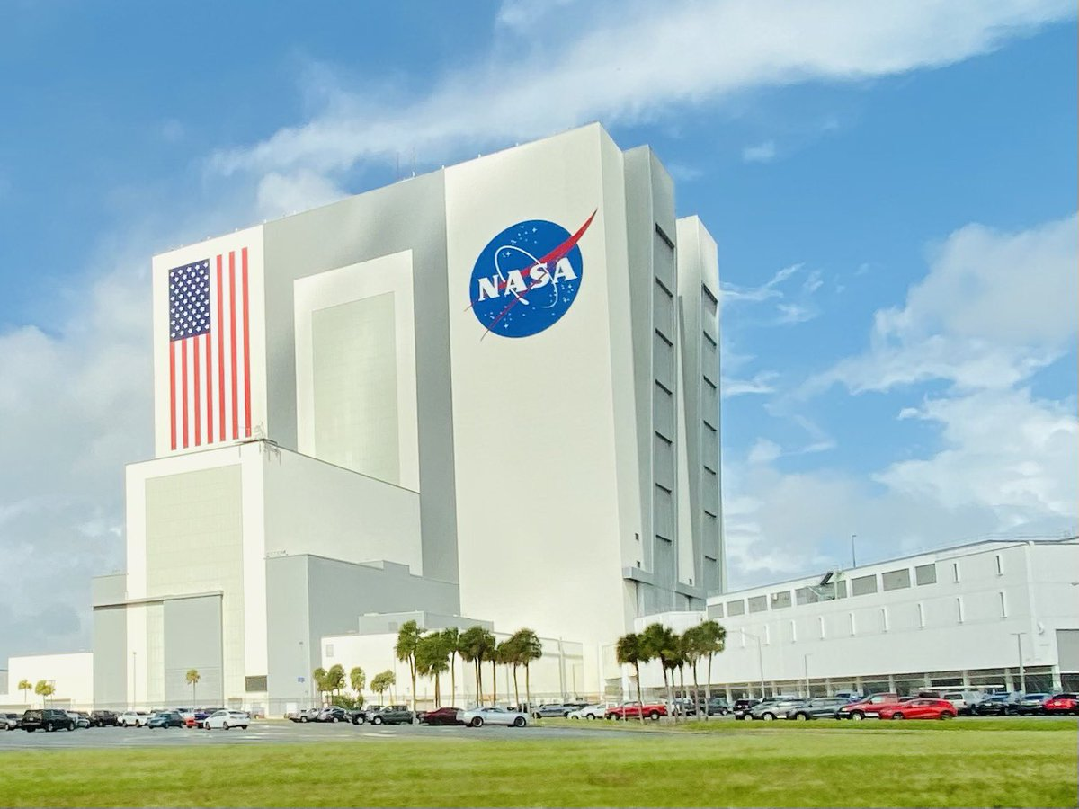 #SpaceX #crew1  Launch guests are coming to #NASA Kennedy Space Center! 快晴のフロリダ、打ち上げは現地時間の土曜日夜です。 https://t.co/sJIfh9kL44
