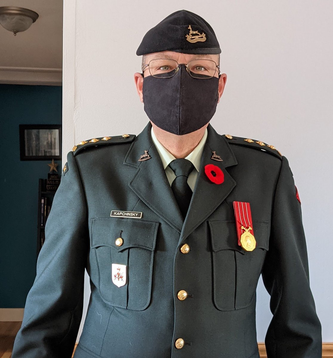 @thesawch @CanadianForces Many thanks. Wearing my dress mask😄