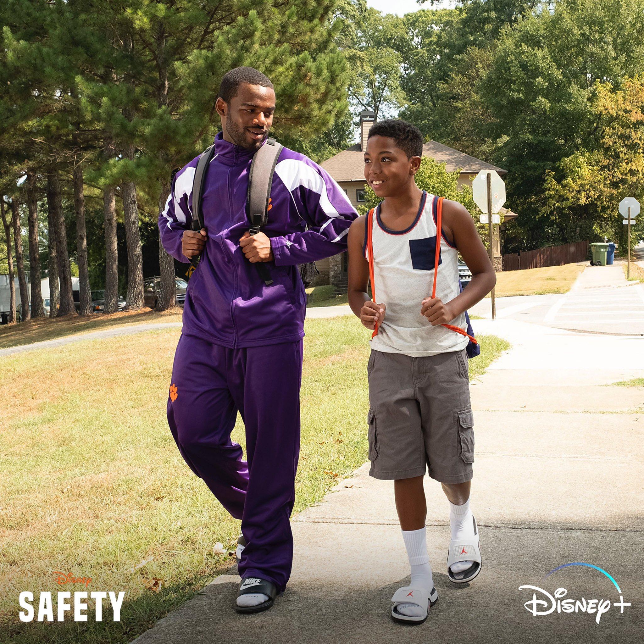 Safety [Disney - 2020] Emk5By9XcAIek96?format=jpg&name=large