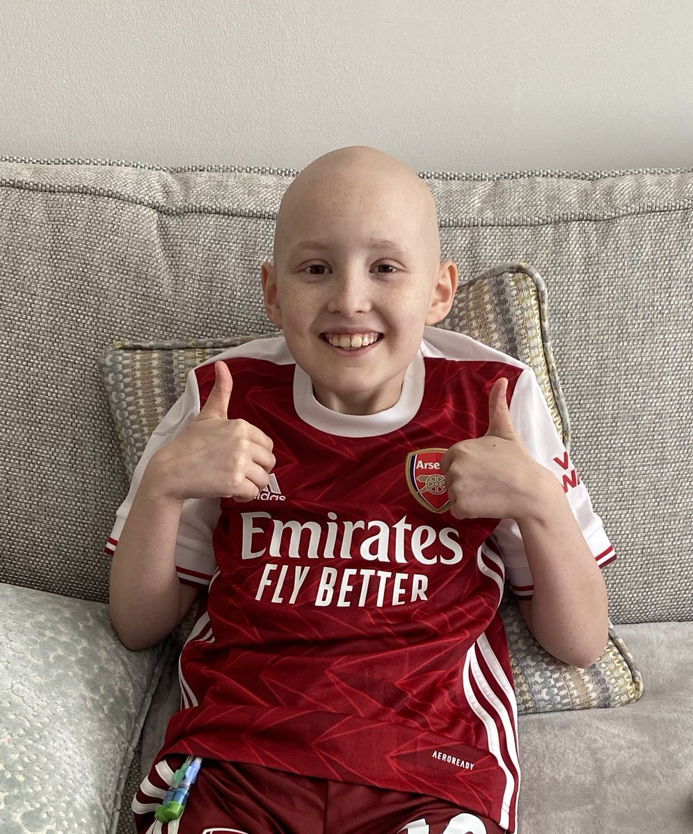 @rihanna Hi Rihanna, its my Yasmin's 10th Birthday today ❤️ Arsenal fan like you ❤️ fighting Bone Cancer with her huge strenght and smiles ❤️ could you give her a shout out one Lady to another....pretty please 🙏🤞❤️