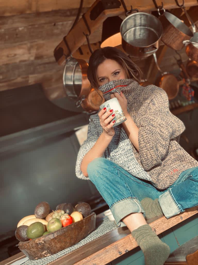 WFH in this cosy, oversized knit from the latest #VVB collection. x vb