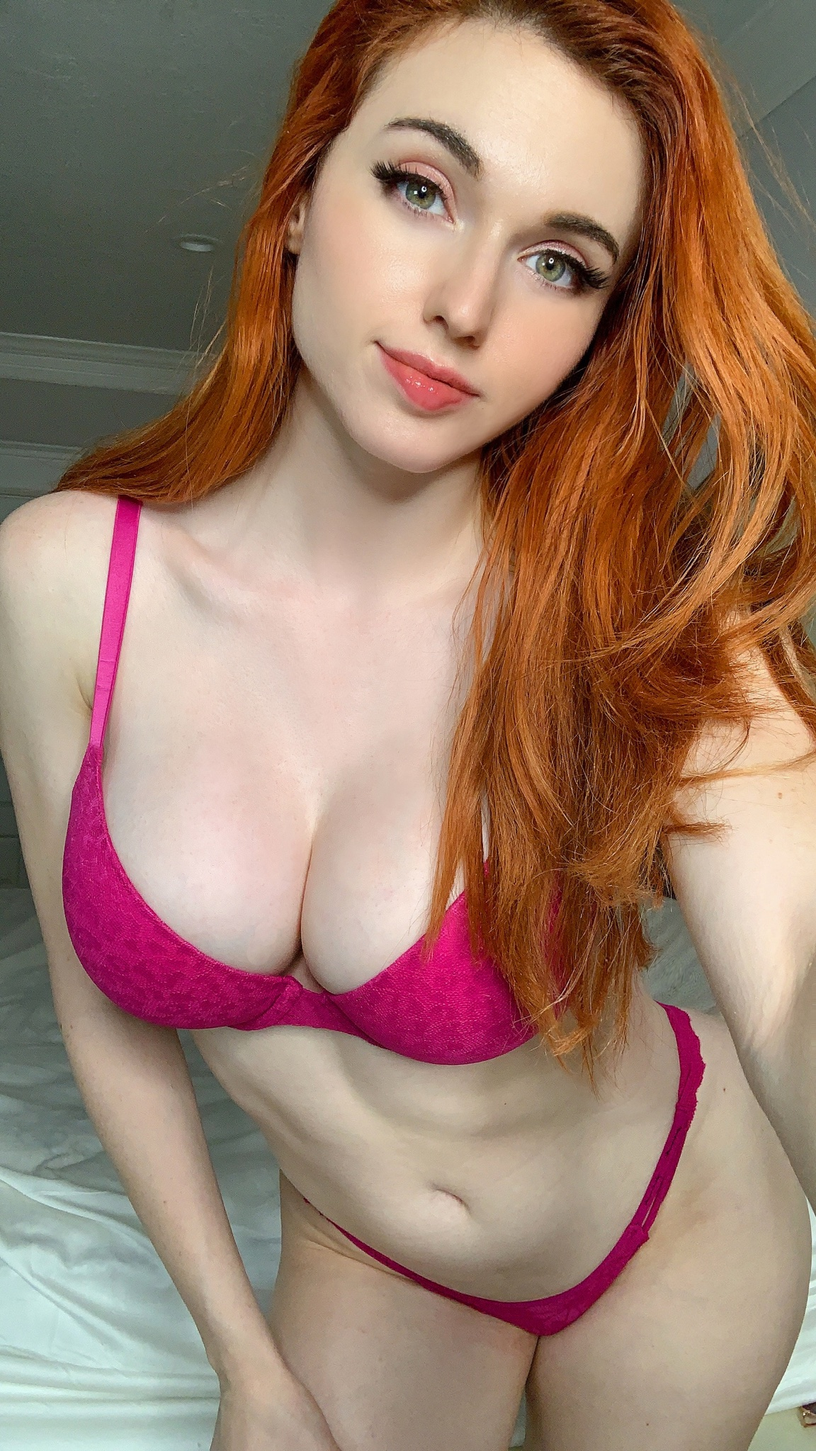Photos amouranth patreon Photo Gallery