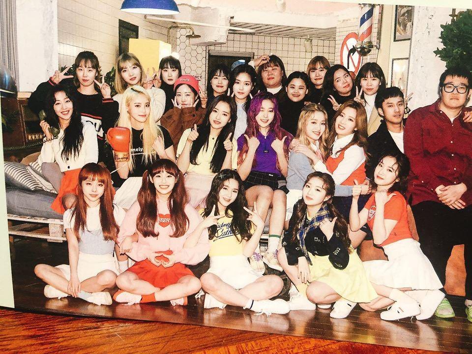 Total Gaon sales for #LOONA: [+ +]: 61,466 [X X]: 45,782 [#]: 80,208 [12:00]: 85,627 Total: 273,083 copies sold + Solos/SubUnits: 206,212 Total: 479,295 copies sold 🌒 @loonatheworld