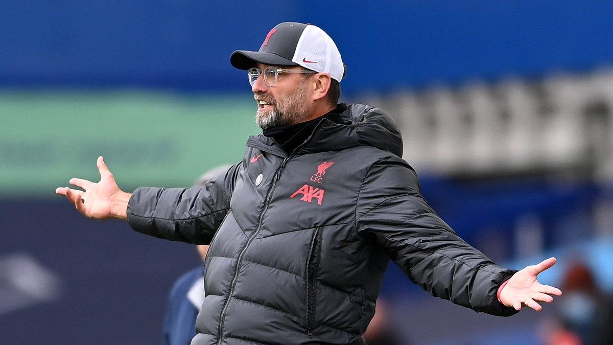 Bek Liverpool yang mengalami cedera:  Trent Alexander-Arnold Virgil van Dijk Fabinho Joe Gomez  Wow 😳