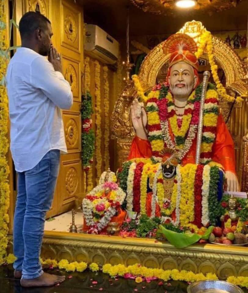 Happy Thursday everyone! Today a special pooja is happening at my temple for Chiranjeevi annaiya to recover soon from covid. I pray ragavendra swamy for his speed recovery 🙏🏼🙏🏼 @KChiruTweets