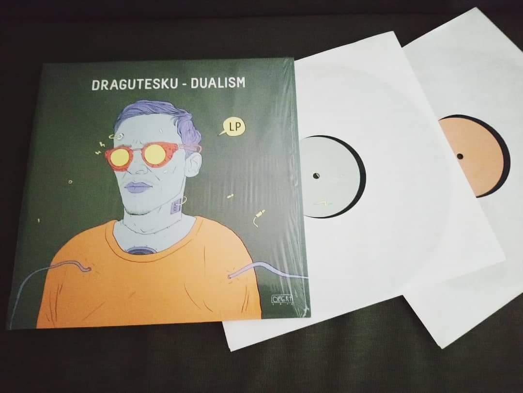 One of the best in 2020 !!  Dragutesku - Dualism ( 2LP )  Label : DRG Series  #dragutesku #drglimited #drgseries #minimal #techno #minimaltechno #minimalhouse #microhouse #rominimal #romaniansound #techhouse #deeptechno #experimental #album #lp #records #vinyl #写真 https://t.co/2he8qZ0QEn