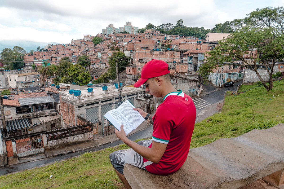 Pra quem ta chegando agora aqui no perfil:  Meu nome é Murilo, tenho 25 anos e nasci na Favela do Jd João XXIII.  - Invisto desde 2015 - Sou sócio de 8 empresas na Bolsa de Valores. - Sou dono indiretamente de 20 imoveis pela Bolsa de Valores.