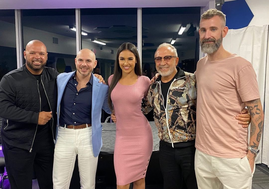 📷 @Pitbull x @EmilioEstefanJr x @TheRealDJLaz x @TheJennyValdes x @DJWS recently! #FromNegativeToPositive ⠀⠀⠀⠀⠀⠀⠀⠀⠀ Listen to the new podcast here: