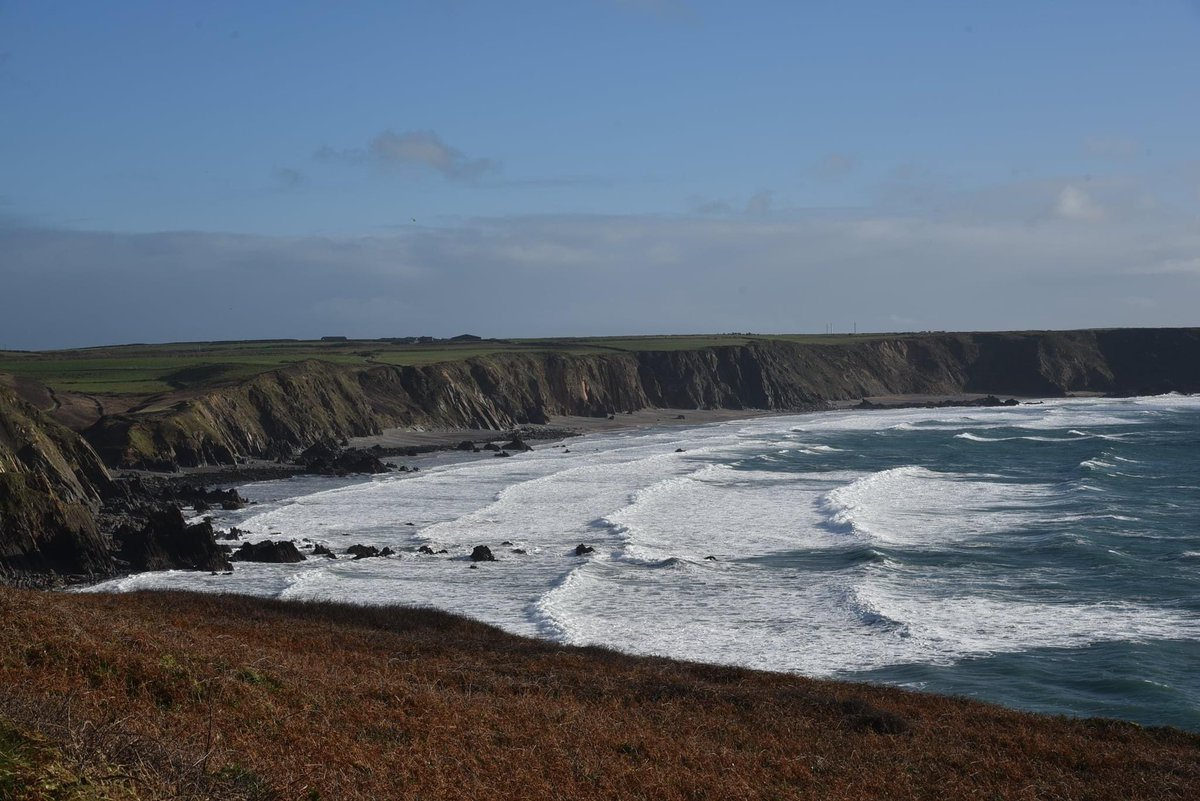 Marloes Sands, Pembrokeshire #marloessands #PembrokeshireCoastalPath https://t.co/aoLWE5eUQG