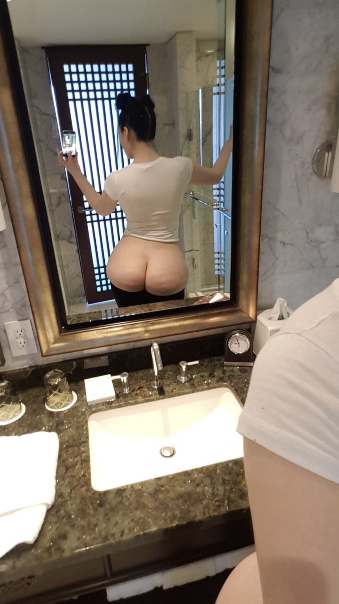 Lots of booty content on my OF :)  https://t.co/wvf8AIztje https://t.co/rzF23buKL8