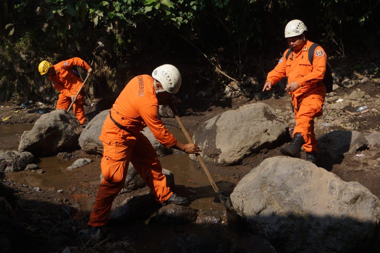 Sobreviviente de deslave en Nejapa muere en hospital