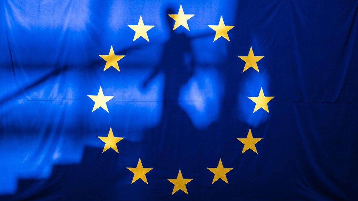 Bonjour! Letzter Tag dieser Abstimmungswoche im Europäischen Parlament. Unsere Themen u.a.: ⚕️EU4Health-Programm - geeint gegen Gesundheitsbedrohungen 🌱#GreenDeal-Finanzierung: massive Investitionen nötig ⚖️Demokratie & Rechtsstaatlichkeit –Grundrechte in der Pandemie wahren👇