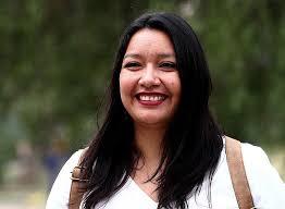Pucha como te cambia la vida cuando vives del Estado y ahorrarte las contribuciones #InformeEspecial   Natalia Castillo: Antes de ser diputada/ Como diputada https://t.co/fKwjwiy6dP