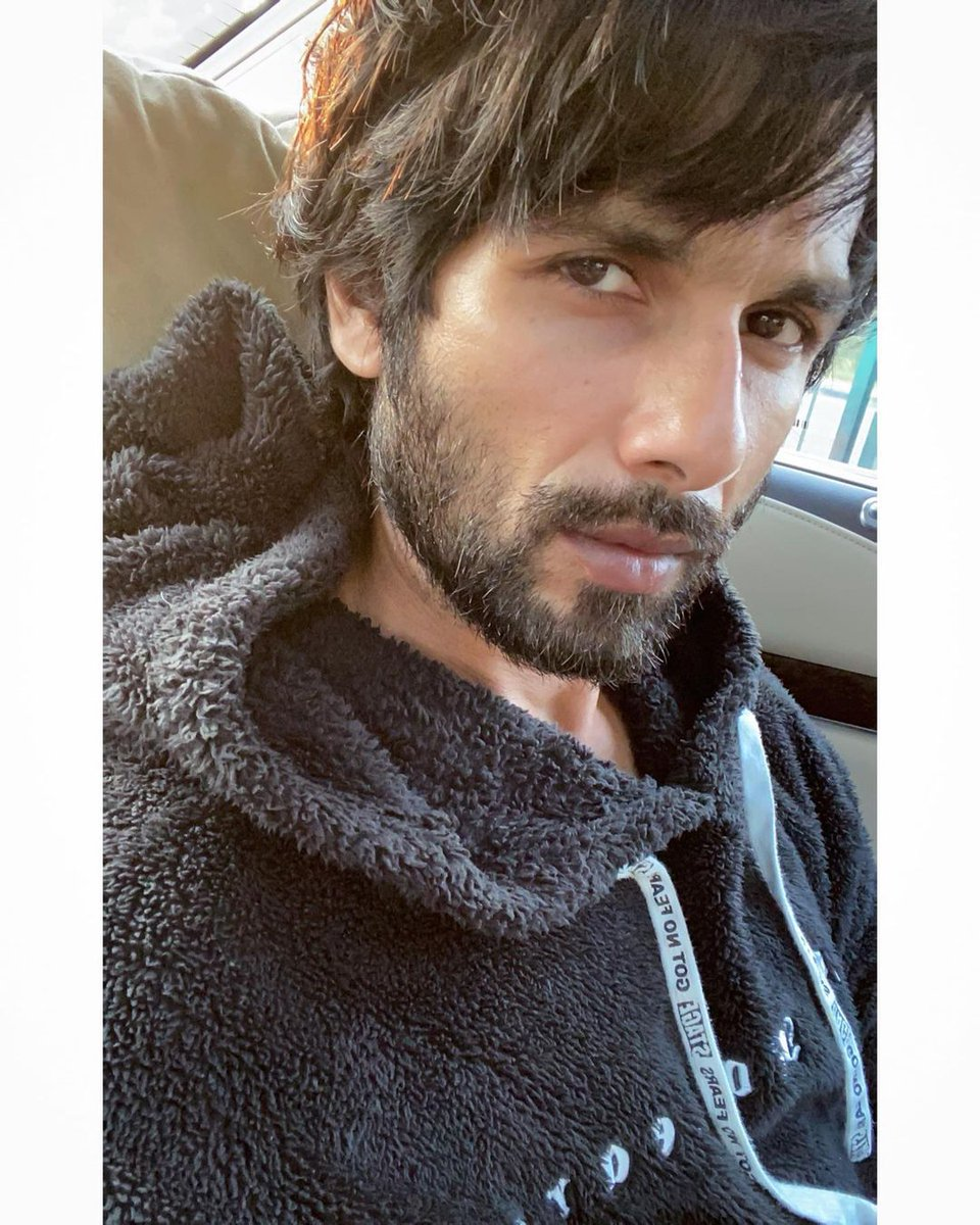 "INSTA PIC by @shahidkapoor ❤️❤️  ""Winter is coming .... morning all.""  #ShahidKapoor #Shanatics"