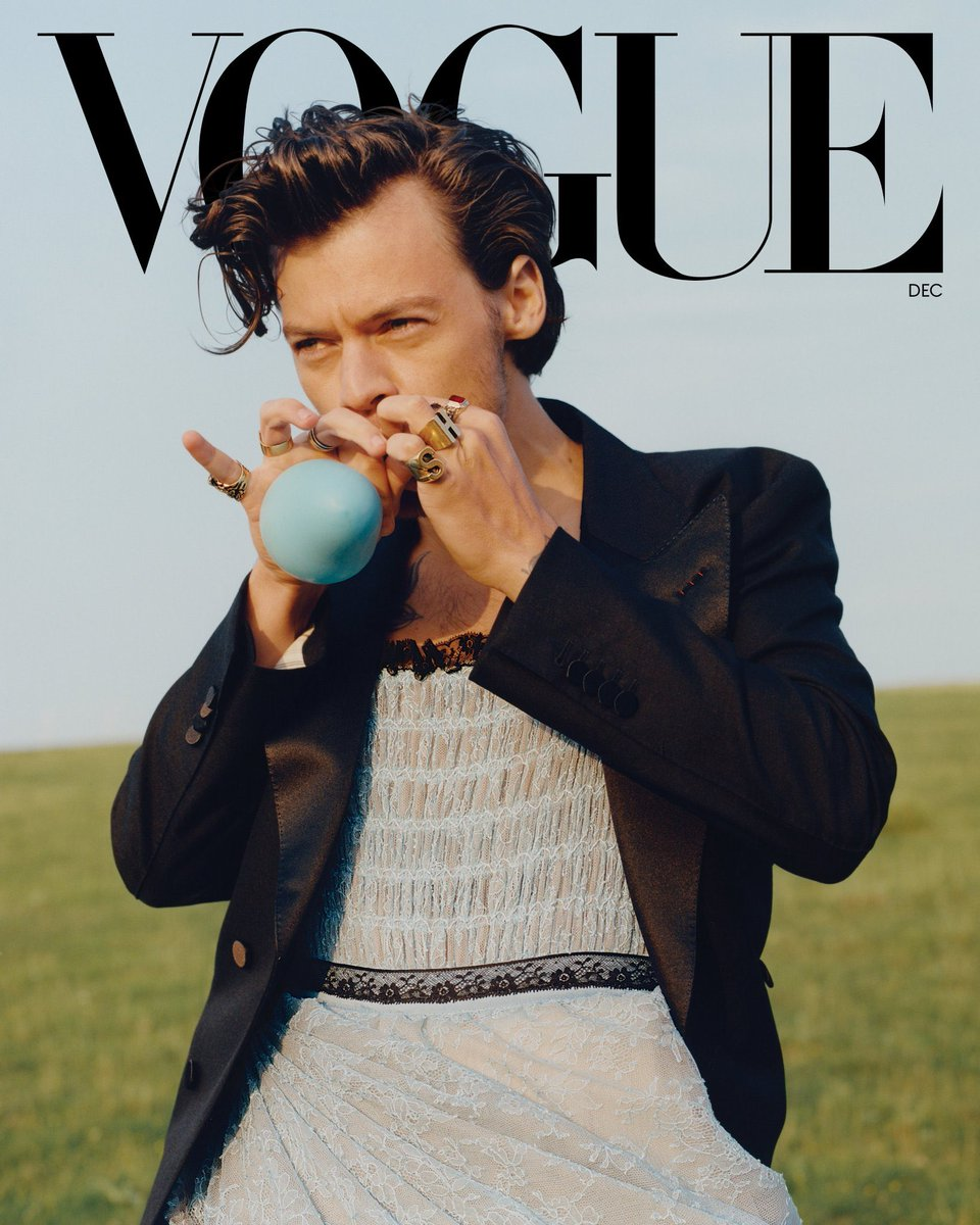Harry Styles, first solo male Vogue cover in history. https://t.co/lUzGMvfrEX