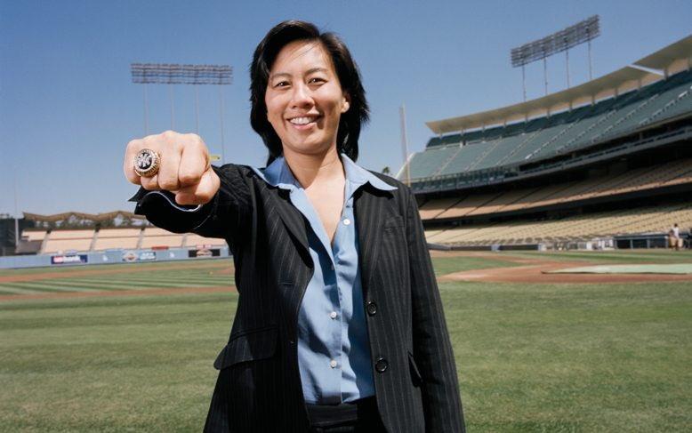 Kim Ng ganó anillos de Serie Mundial cuando estuvo trabajando en la oficina de los Yankees.