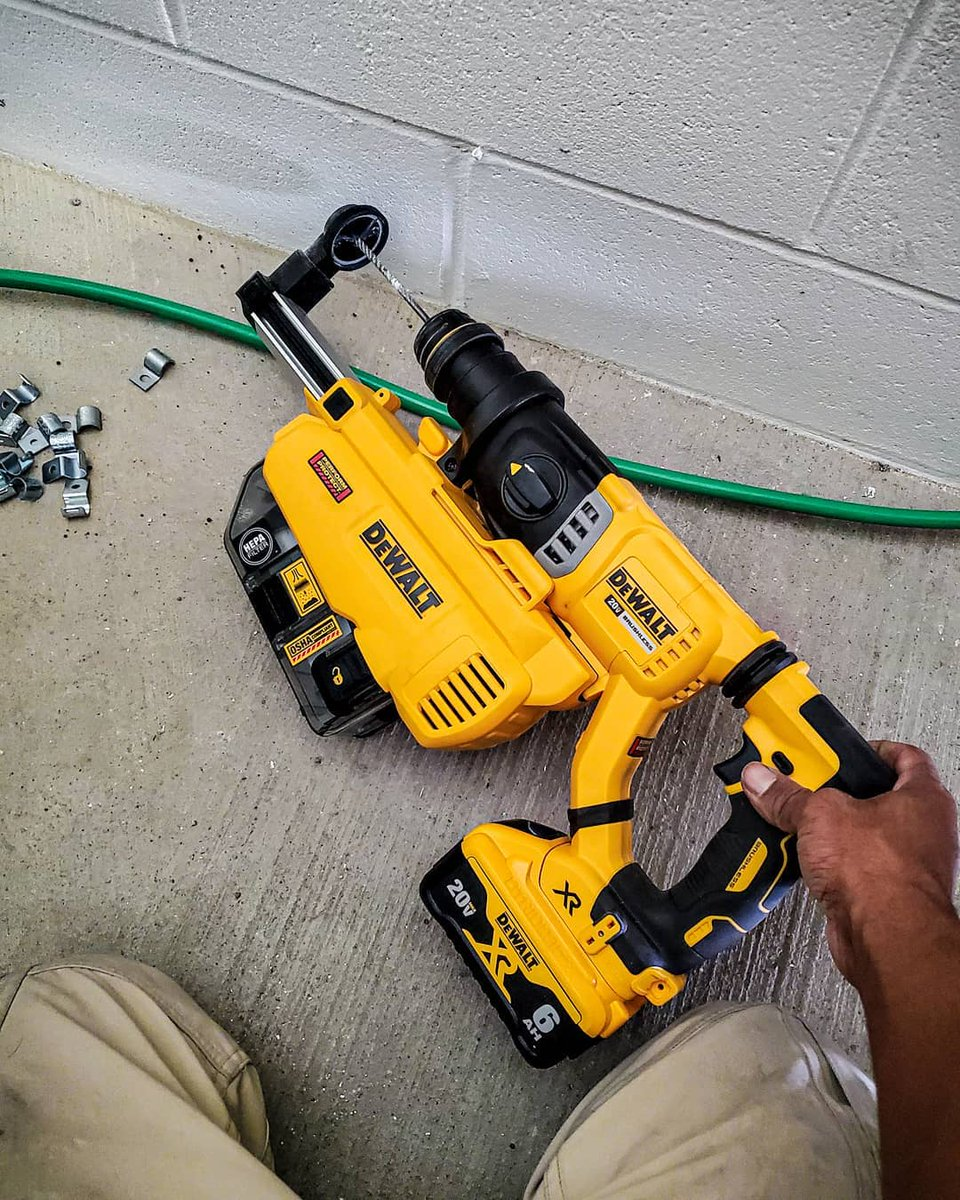 With on-board extraction, the SDS Hammer Drill keeps silica dust out of your way. What's your biggest jobsite pet peeve?   Photo credit: @sparky_tools