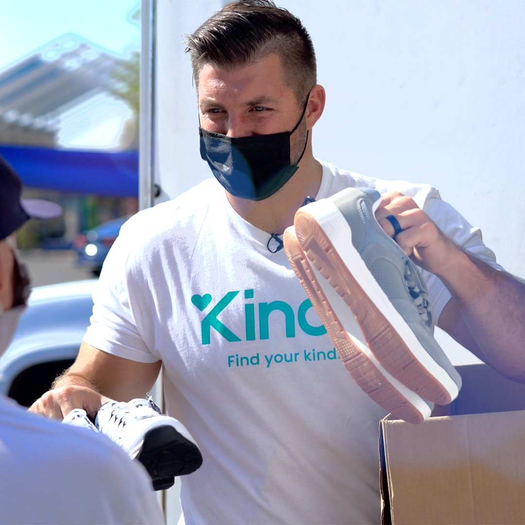 Today is #WorldKindnessDay!⁣ ⁣ To celebrate, we're helping @TimTebow launch the new social unity app 𝐊𝐢𝐧𝐝𝐥𝐢!   The app is available for free download through iTunes and Google Play — so go ahead and download it today, and start your day off with a dose of kindness!