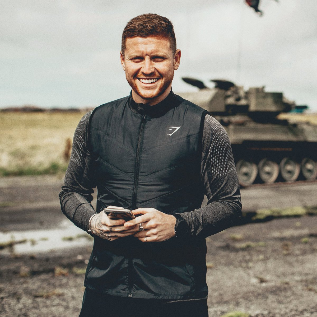 Behzinga - just 30 minutes until @Gymshark's early Black Friday sale 🤑