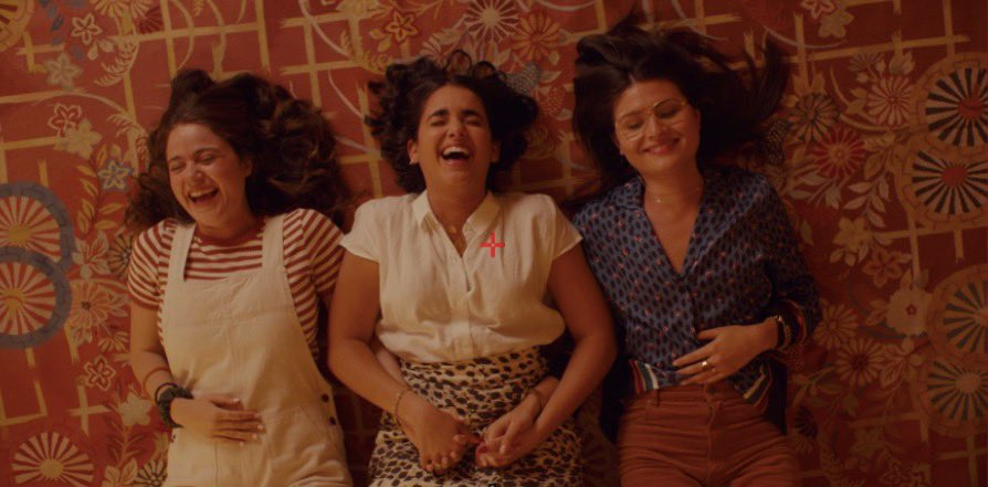 @mollyjgordon accidentally tickled @yoyogeraldinev's thigh in this shot and they couldn't stop laughing and I kept rolling  #BrokenHeartsWatchParty