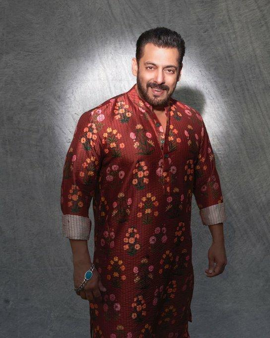 @BeingSalmanKhan : Wishing all a v Happy Diwali n a prosperous new year ... stay safe  Styled by #AshleyRebello  (via Twitter ) #news