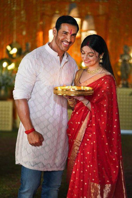 Team #SatyamevaJayate2 celebrates #Diwali on the sets. @TheJohnAbraham & @iamDivyaKhosla look stunning in these festive photos! . #SidK #SiddharthKannan #MilapZaveri #Diwali